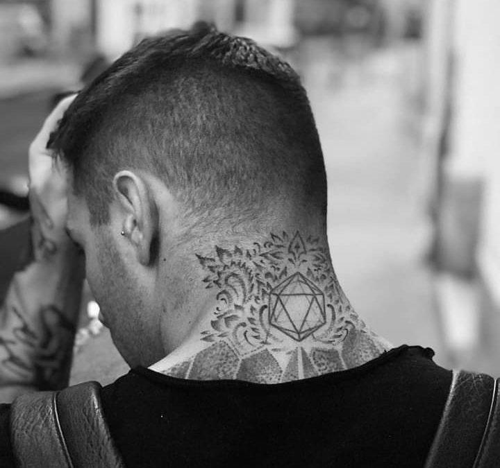 Áron tetoválásai